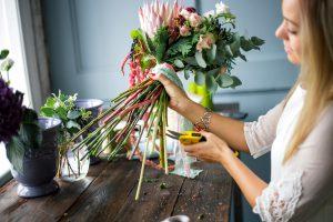 Kaip išlaikyti skintas gėles ilgiau